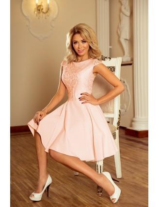 Broskyňové krátke šaty s áčkovou sukňou a čipkou - z predu