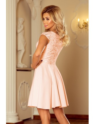 Broskyňové krátke šaty s áčkovou sukňou a čipkou - zadná strana