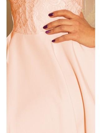 Broskyňové krátke šaty s áčkovou sukňou a čipkou - detail