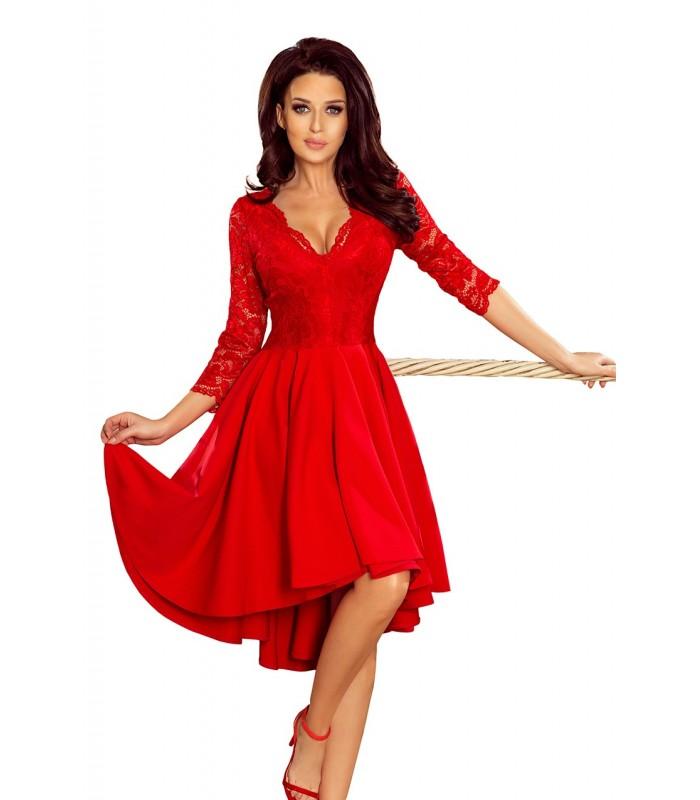Červené asymetrické šaty s čipkou a výstrihom