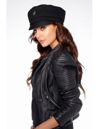 Čierna vlnená čiapka s koženým šiltom 1