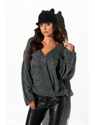 Tmavo-sivý sveter s výstrihom a rozšírenými rukávmi