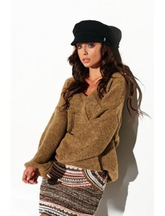 Hnedý sveter s výstrihom a rozšírenými rukávmi