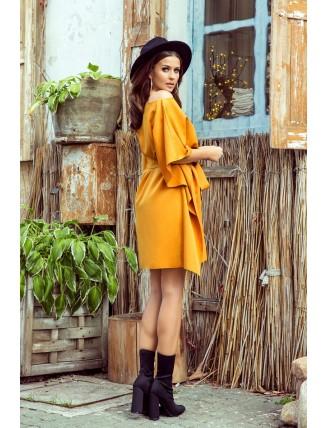 Krátke medové šaty s viazaním v páse-5