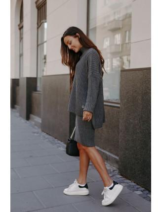 Tmavosivá pletená súprava roláku so sukňou 2
