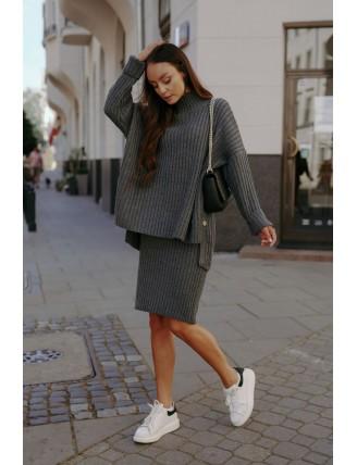 Tmavosivá pletená súprava roláku so sukňou 1