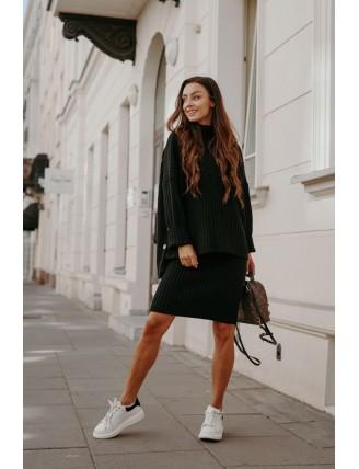 Čierna pletená súprava roláku so sukňou 1