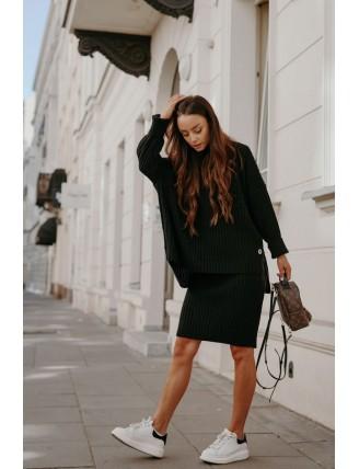 Čierna pletená súprava roláku so sukňou
