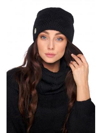 Čierna pletená čiapka s komínovým šálom 1