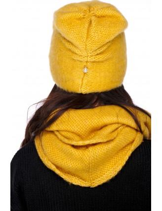 Horčicová čiapka s komínovým šálom 2