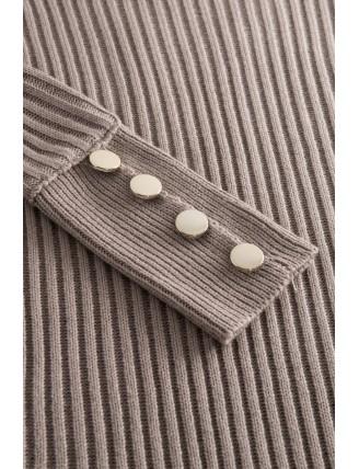 Hnedé svetrové šaty s rolákom a gombíkmi 5