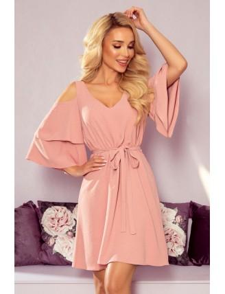 Ľahké púdrovo ružové šaty s výstrihom a viazaním v páse