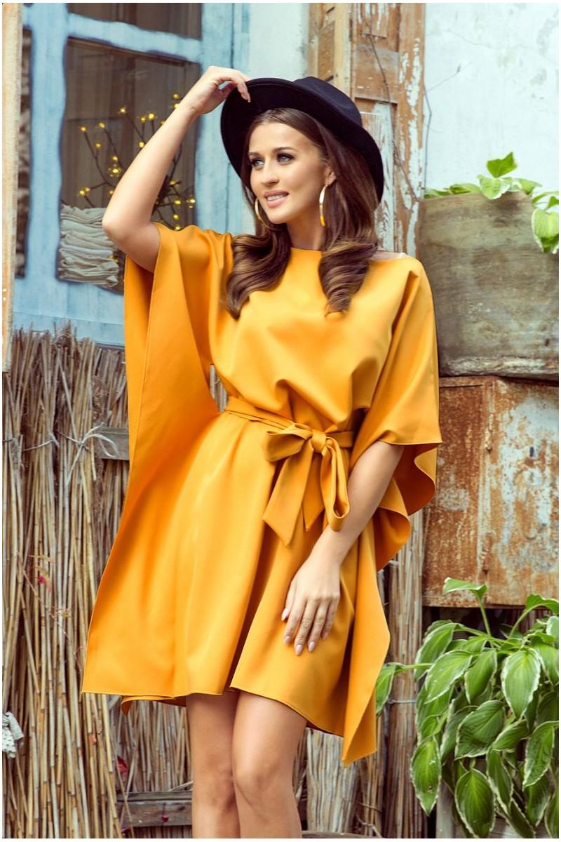 Krátke medové šaty s viazaním v páse